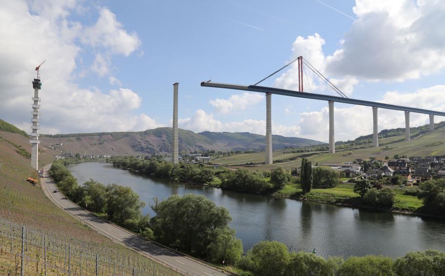Nouveau lançage pour le pont Hochmosel