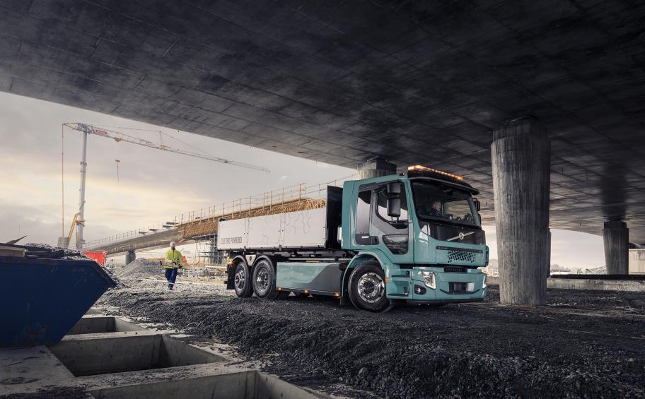 Eiffage se dote de deux premiers engins électriques de chantier Volvo pour les travaux du Grand Paris Express