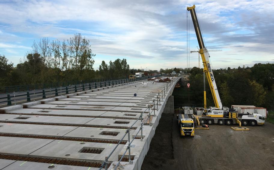 Doublement du pont de l'Écluse à Saumur : le tablier s'achève